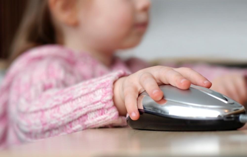 Preschooler-computer-games-Nov2011-iStock.JPG